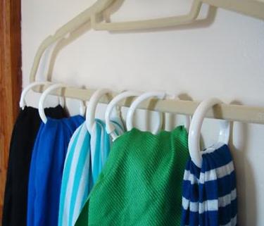 Scarf Hanger