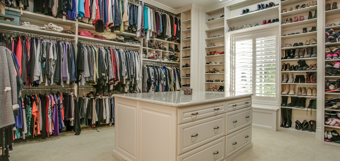 A Closet Island Helps Organize Your Space