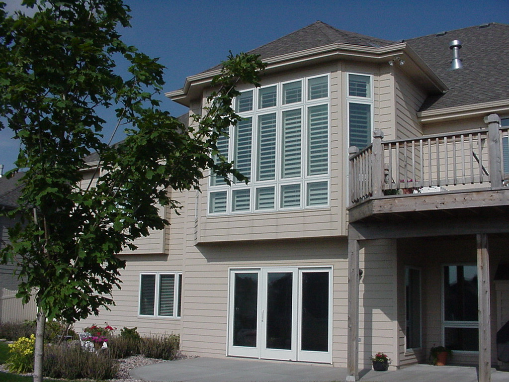 Shutters are crisp and clean from the outside, too.
